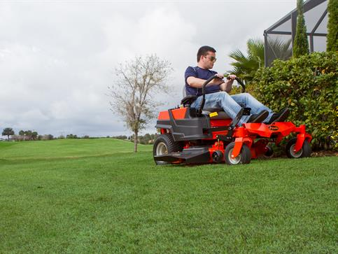 Photo of continuous expanse of lawn courtesy of Ariens Corp.